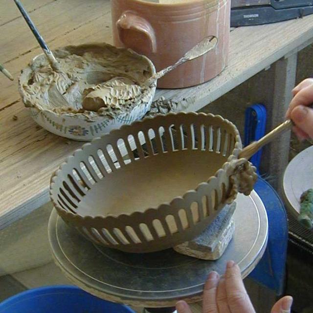 Malicorne Sur Sarthe Faiencerie D Art De Malicorne Préparation Décoration Faience Ajourée