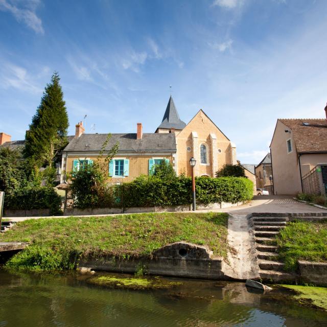 Vue de la rivière Sarthe sur Malicorne